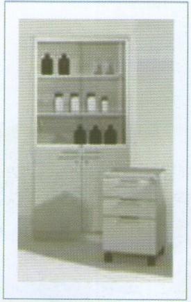 Armoires hautes à étagères et à clé